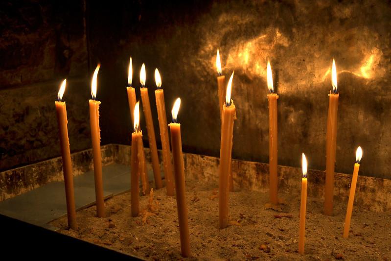 aya torgi manastiri dilek mumlari