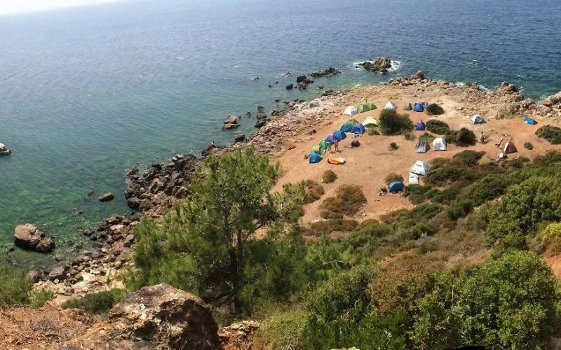 Burgazada madam martha koyundaki çadırlar