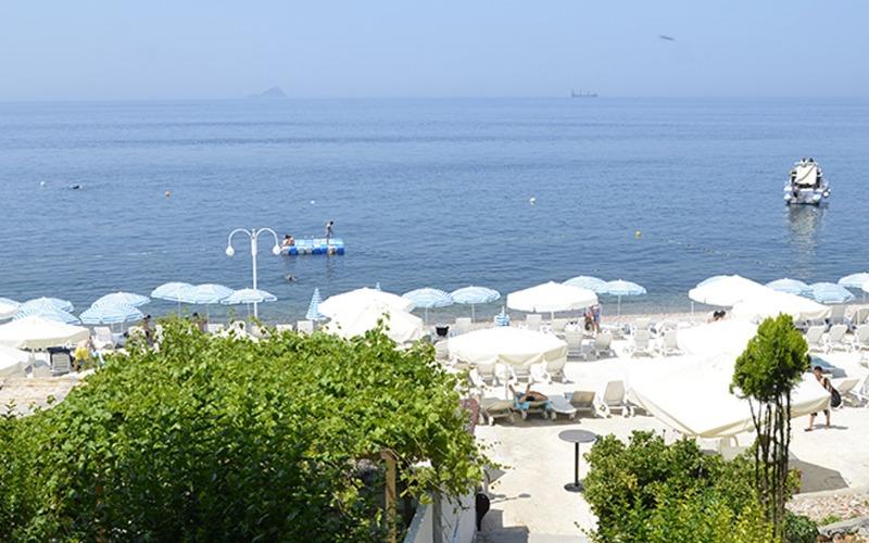 kinaliada kamos beach